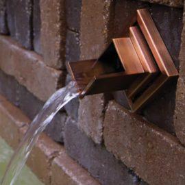 Wall Spout Rhombus, brons